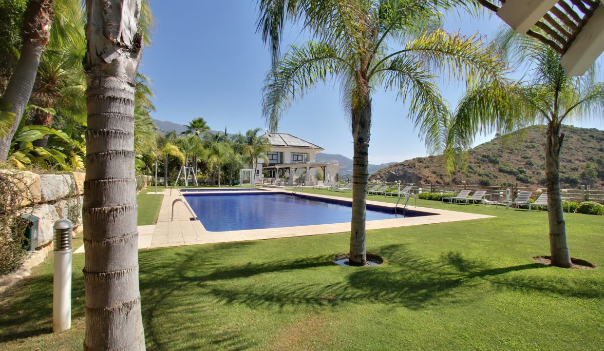 Outdoor Club House Pool 1