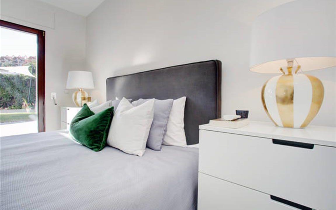 Guest Bedroom 2 (Medium)