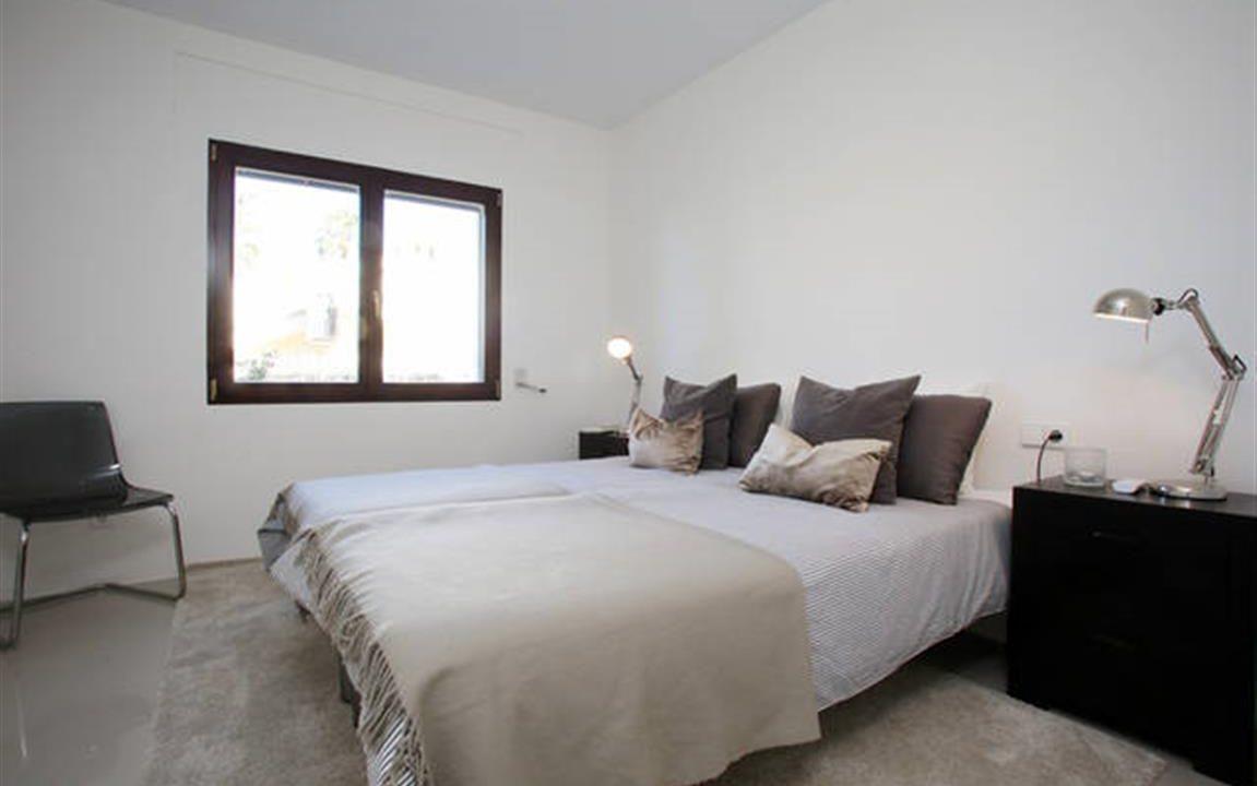 Guest Bedroom 5 (Medium)