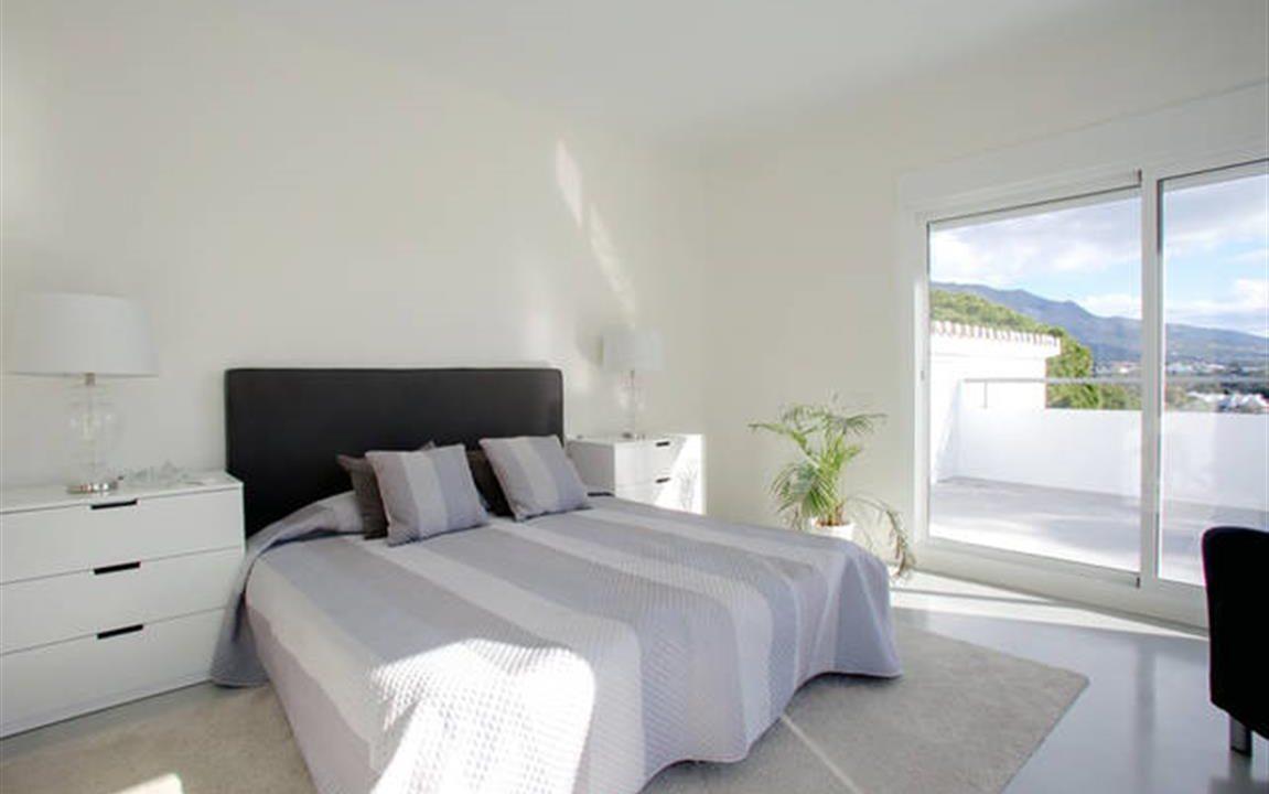 Master Bedroom 1 (Medium)