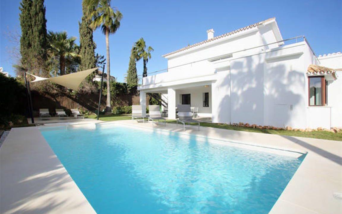 Villa and Pool 2 (Medium)