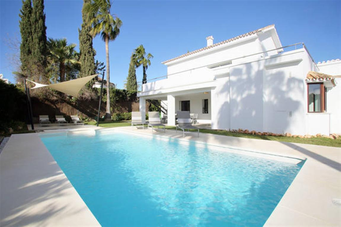 Beautiful Private Detached Villa With Private Pool