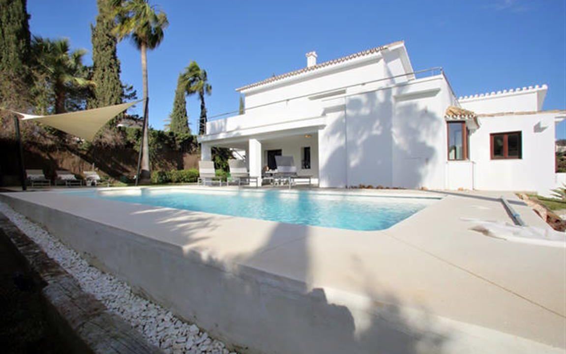 Villa and Pool 3 (Medium)